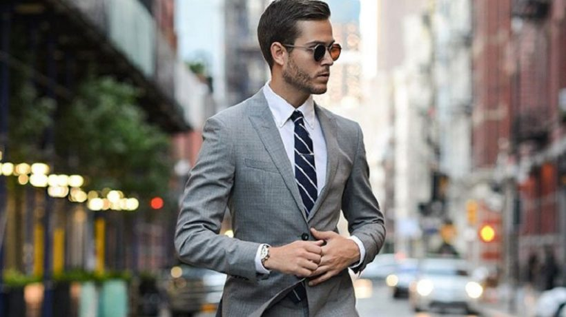 The gray suit and how to combine it in a perfect outfit